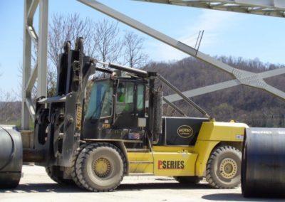 Web 73,000 pound hoist forklift 4